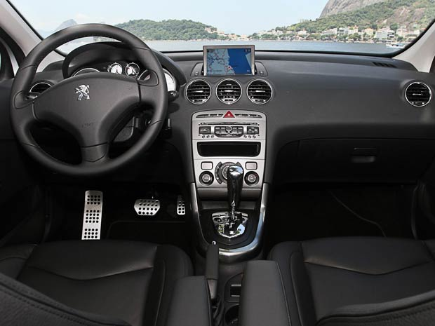 Cr ticas de carros peugeot 408 custo benef cio x for Interior 408 allure