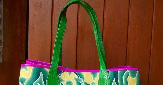 Wening Butik: About Batik Mega Mendung