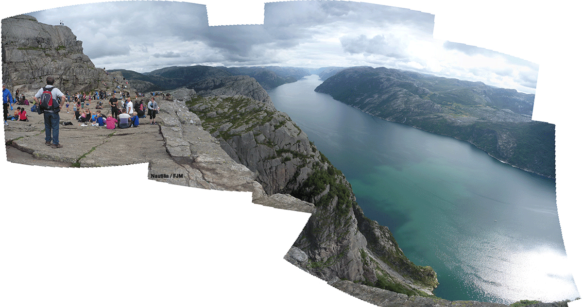 Preikestolen, Pulpit Rock, Norway, Noruega