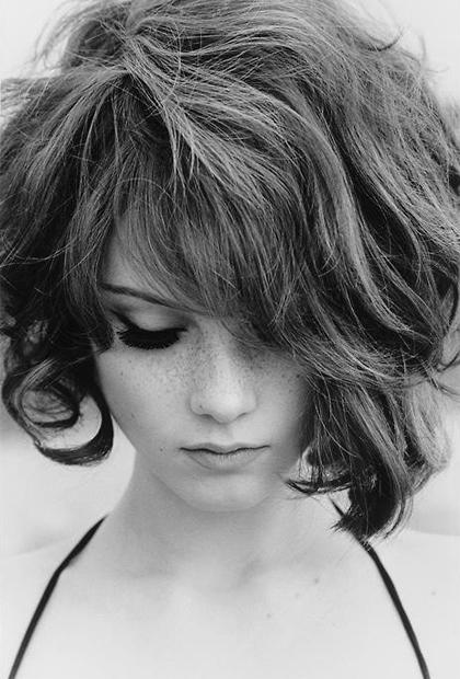 coupe courte cheveux crépus afro cheveux crépus frisés coupe femme black noire cheveux 2013