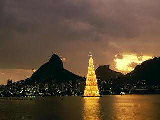 Pohon Natal Tertinggi di Dunia