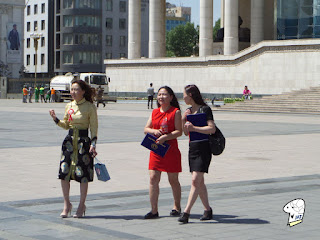 Chinggis Khaan Square - beautiful ladies 3