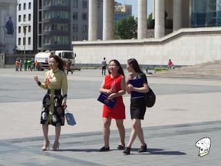 Chinggis Khaan Square - beautiful ladies 3