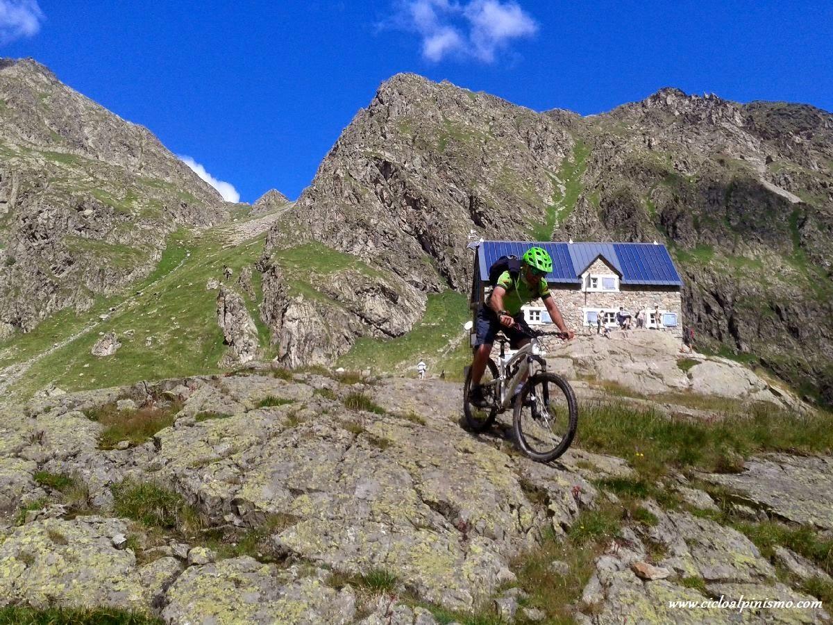 CICLOALPINISMO: Giro del passo di Laroussa (2471 m)