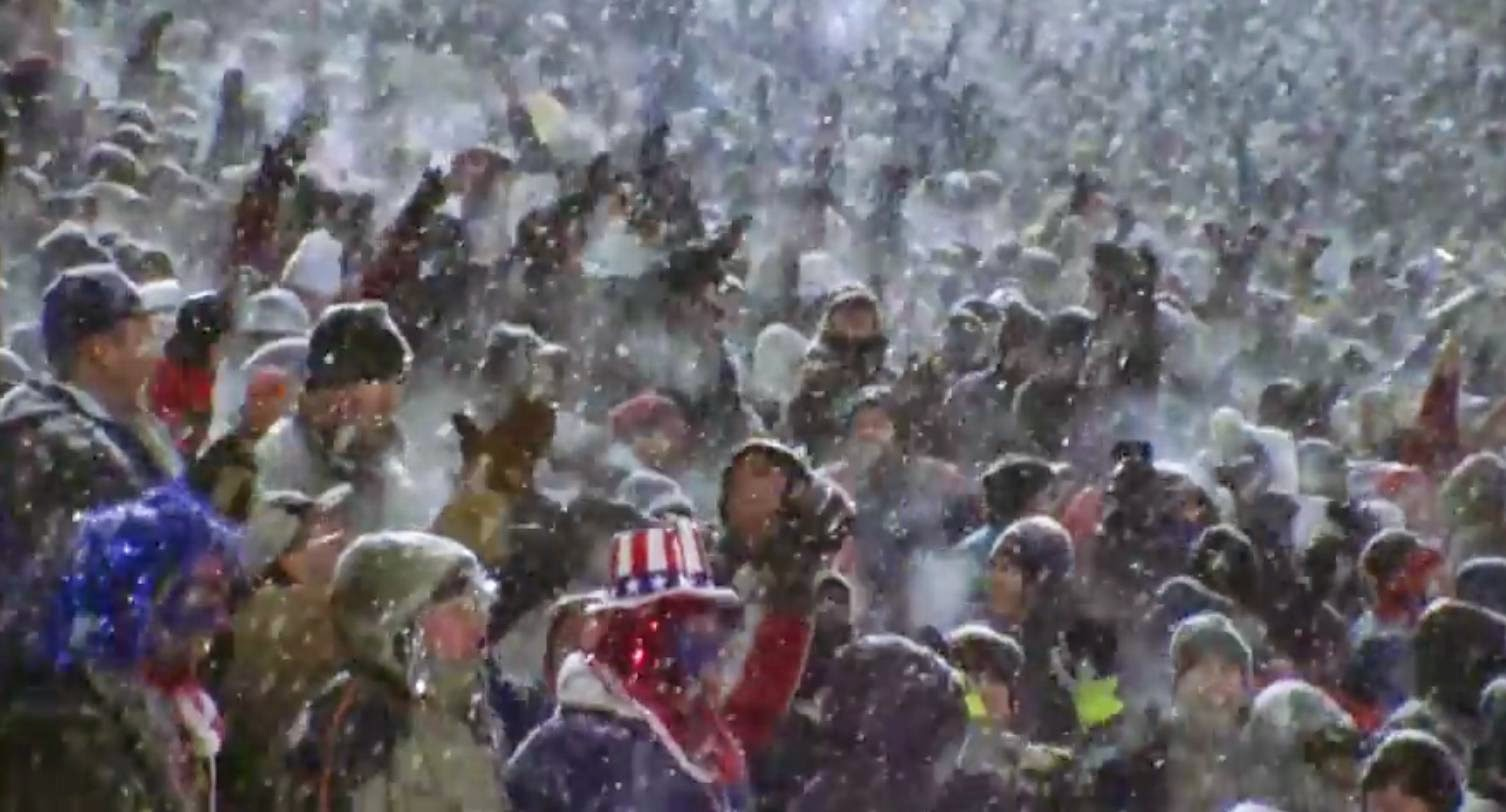 Football nevando New England NFL publico