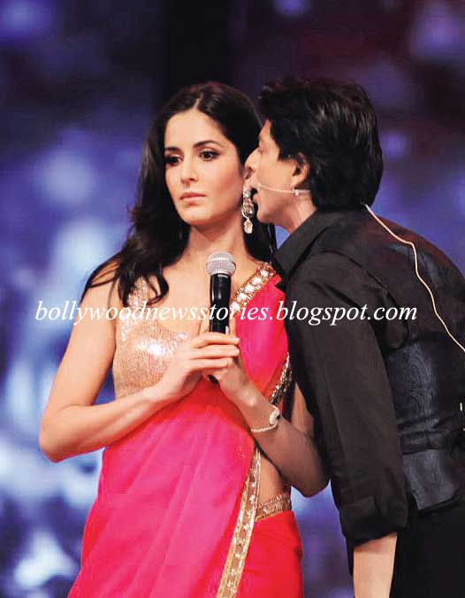 Shahrukh Khan Kissing Katrina Kaif 1 - Shahrukh Khan Kissing Katrina Kaif At The colors Screen Awards
