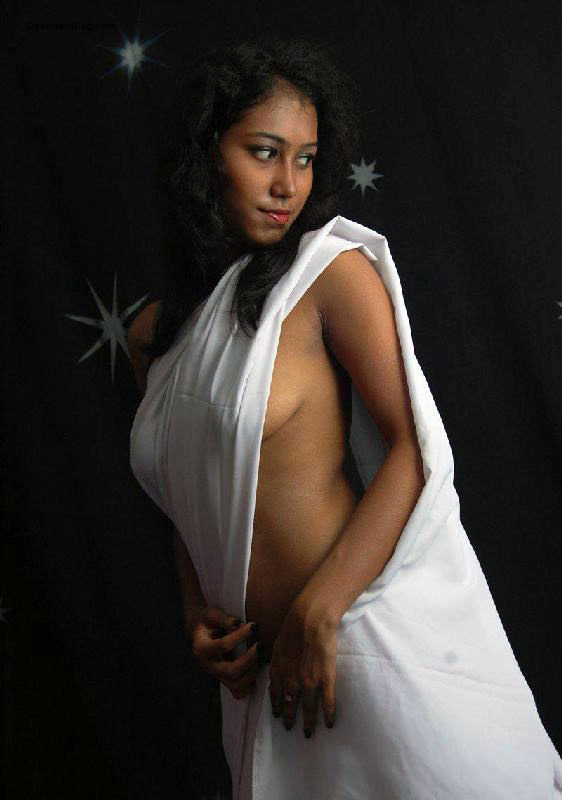 Lady's Magazine: Topless Saree