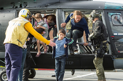 World War Z Brad Pitt Helicopter Rescue