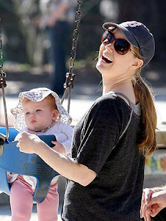 Amy Adams plays with her daughter Avianna