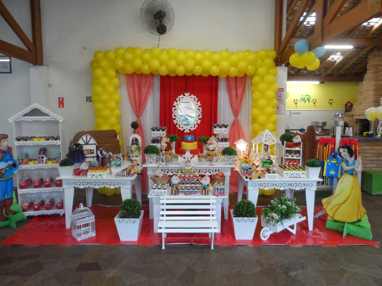 decoracao festa infantil branca de neve provencal : decoracao festa infantil branca de neve provencal:Crilê Decorações de Festas Infantis: BRANCA DE NEVE PROVENÇAL