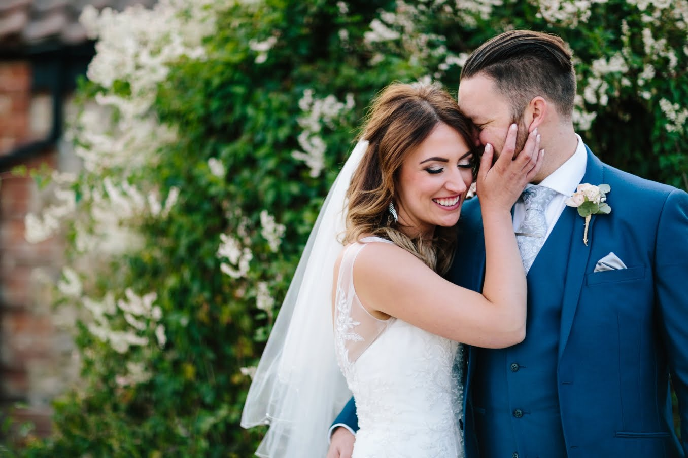 Susie and Mark's gorgeous wedding at Manor Mews Great Barn in Norfolk, UK. Photo by STUDIO 1208