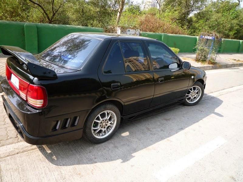 Mobil Suzuki Esteem