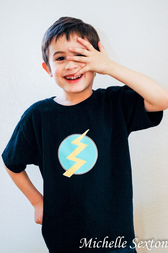 How to make a lightning bolt shirt with transfer paper - click through and find out how and get this free printable too