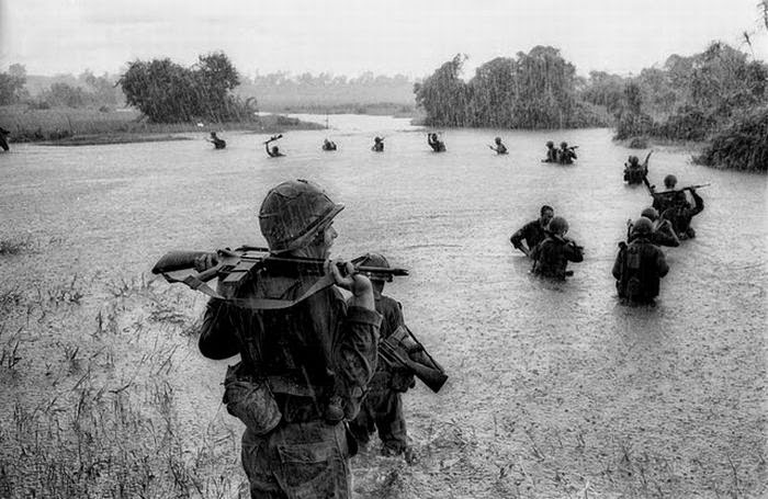 Soldados lluvia