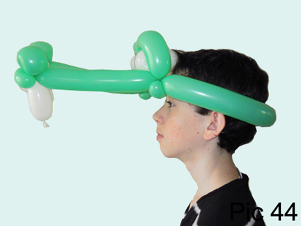 how to make a balloon hat