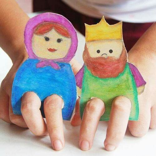 Boneka Jari Kardus