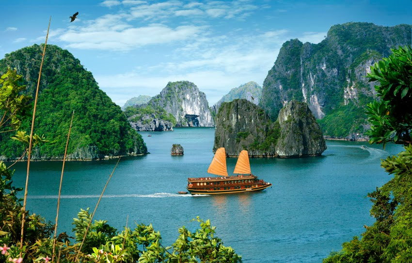 Discover Vietnam: The beauty of Ha Long Bay - Vietnam Visa ...