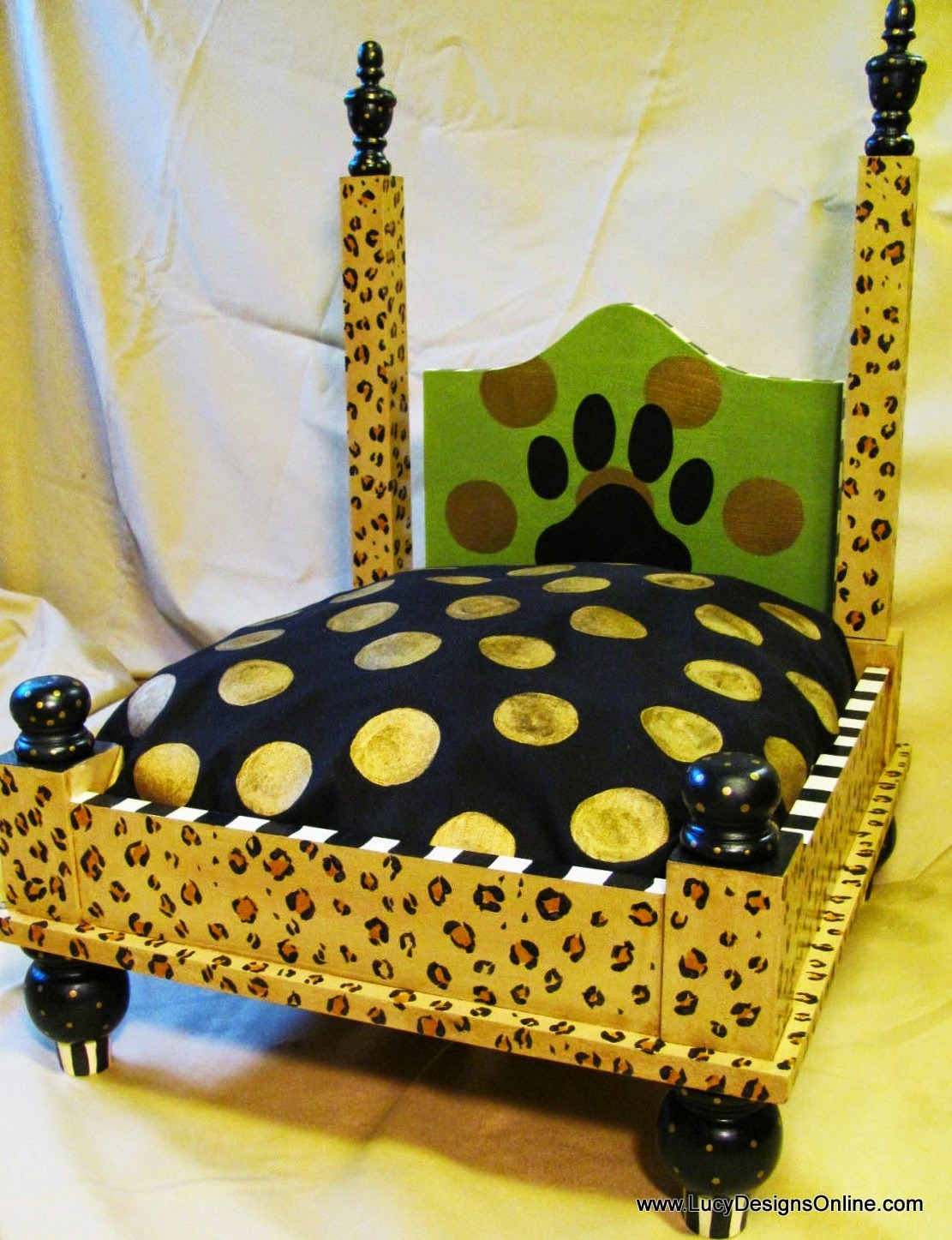 leopard or cheetah print hand painted dog bed & Hand Painted Dog Beds in Stripes Leopard Animal Print and Textured ...