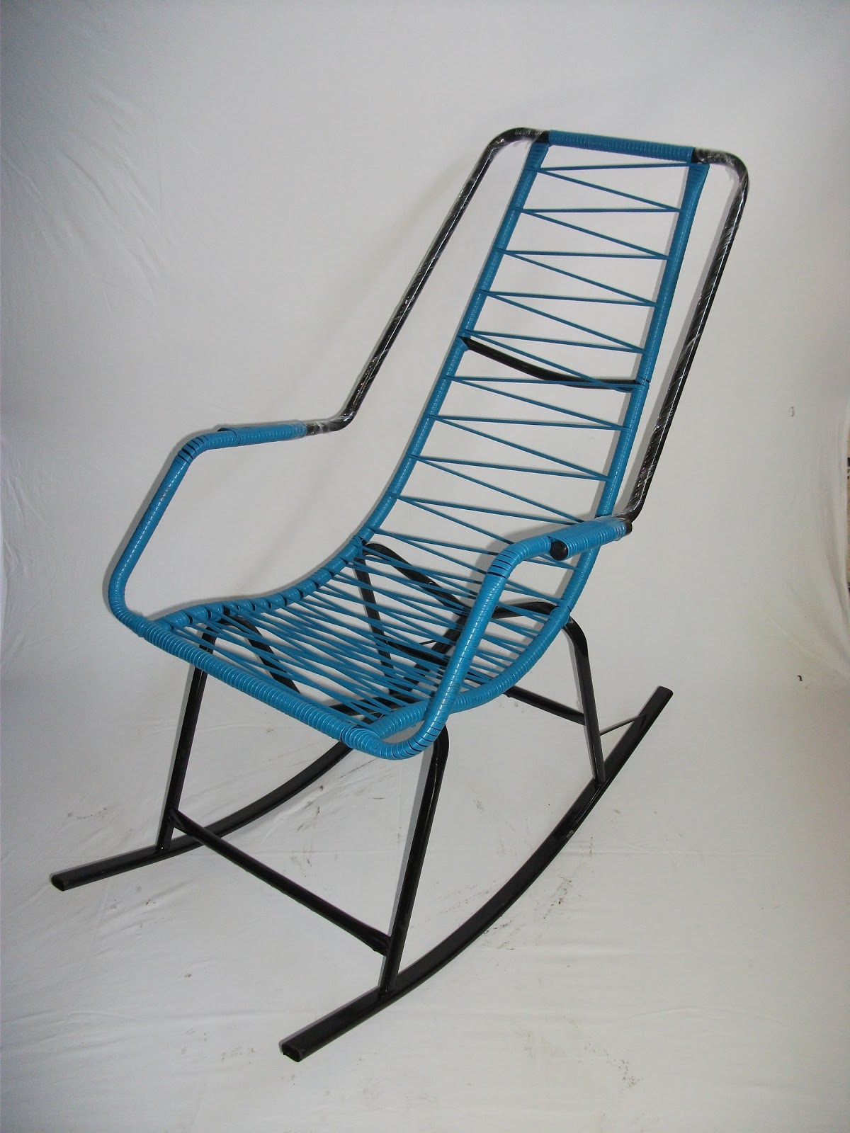 CADEIRAS DE BALANÇO: Cadeiras De Balanço #184C69 1200x1600