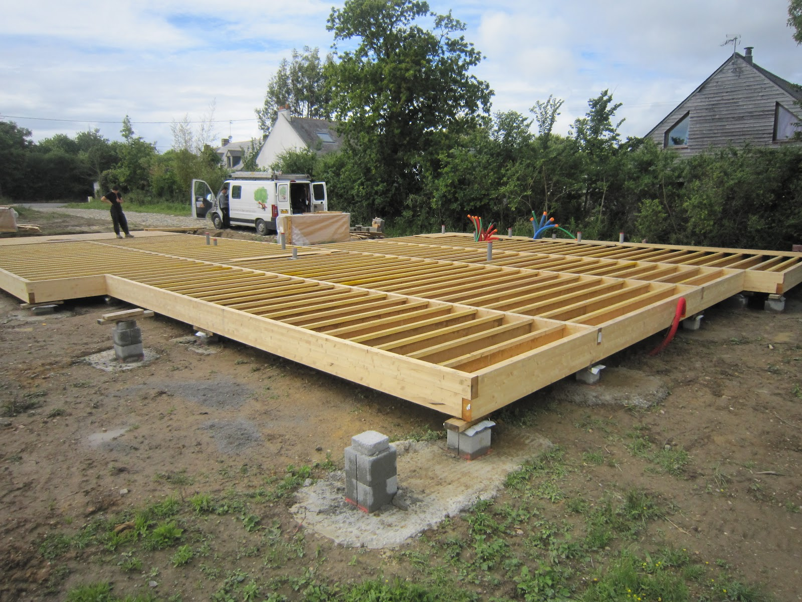 Construction terrasse bois sur dalle beton diverses id es de conception de patio for Construction en bois ou beton