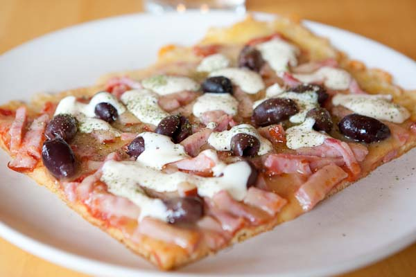 pizzadeg med mandelmjöl