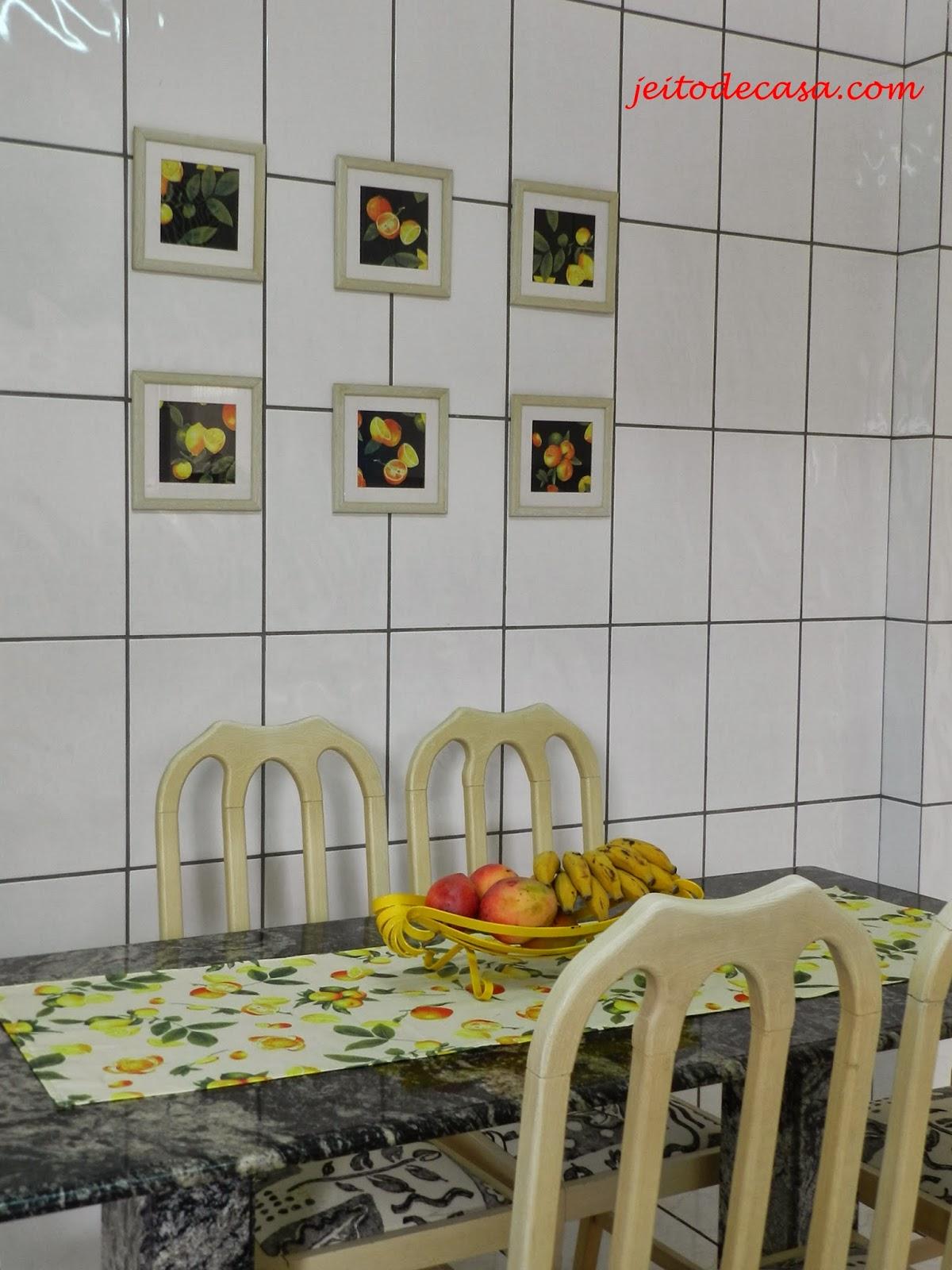 cozinha decorada com estampa de frutas