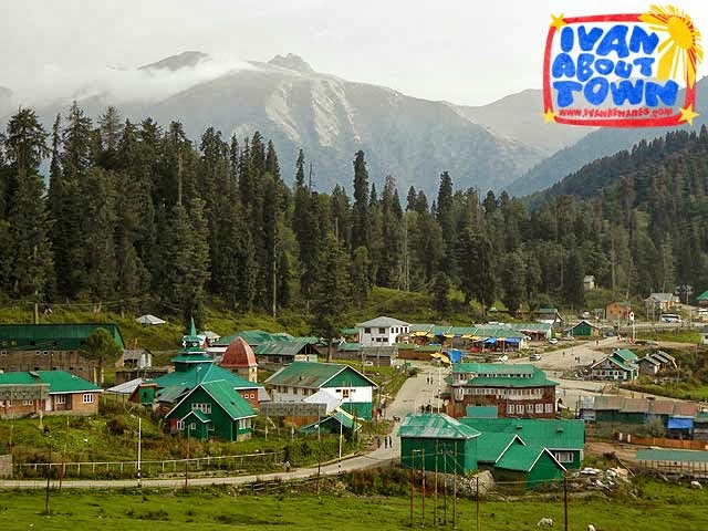 Downtown Gulmarg in Kashmir, India