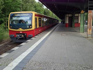 S-Bahn: Fahrplanänderungen wegen Bauarbeiten im S-Bahn-Netz Brückenneubau für BAB A100 – S-Bahn-Gleise der Berliner Stadtbahn werden im Sommer erneuert – Neue Gleise für S1 (Nord) und S8 (Nord)