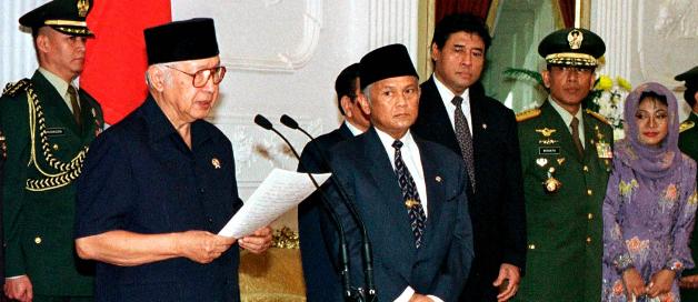 Habibie Ungkap Penyebab Pencopotan Prabowo dari Pangkostrad