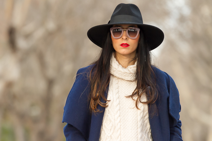 Blogger de moda de Valencia estilo urbano femenino chic