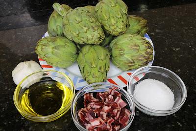Ingredientes para alcachofas salteadas con jamón