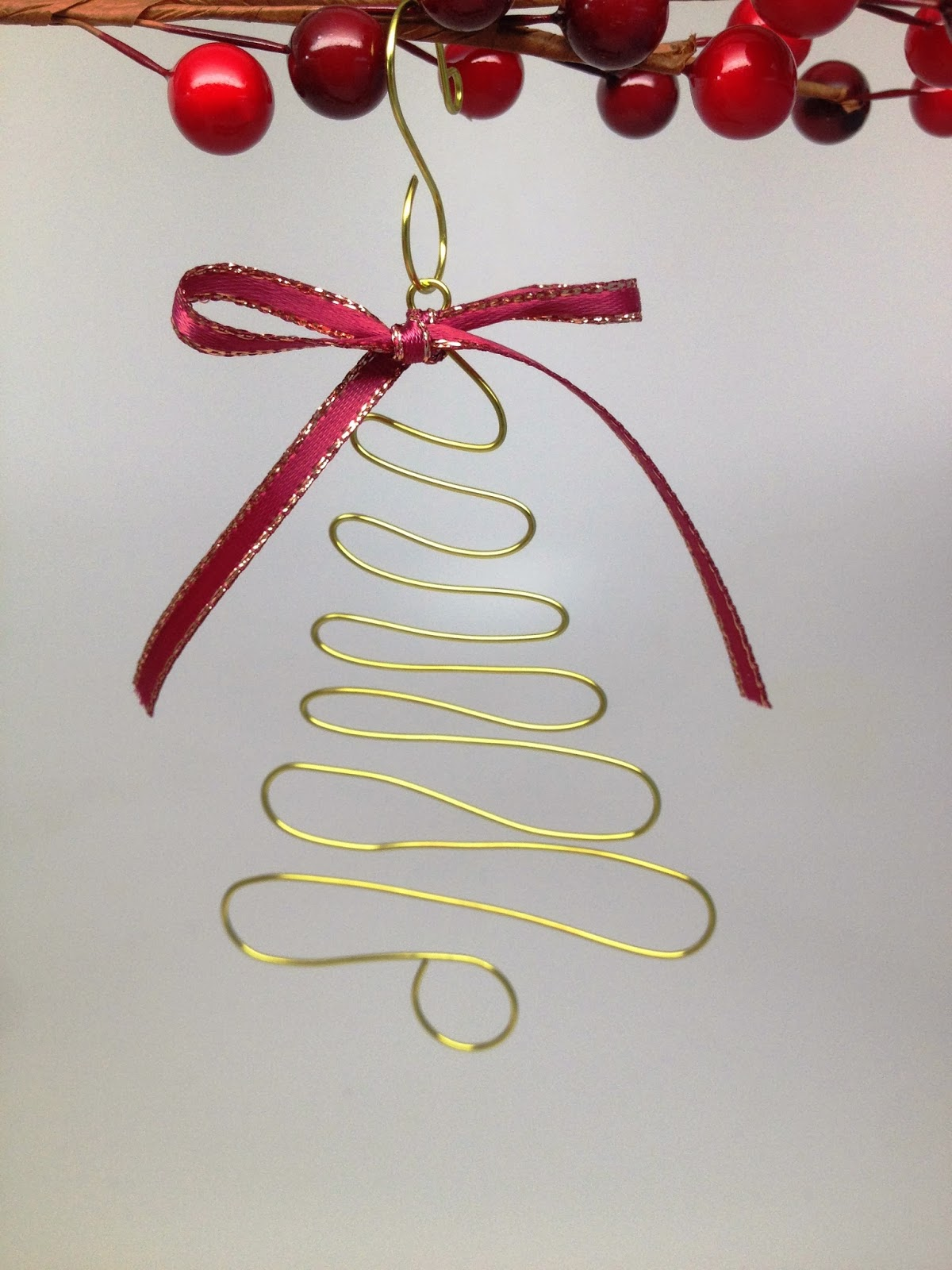 i posted a tree ornament pattern a little over a week ago ive been so flattered to see that well over 600 people have pinned it on pinterest wow - Wire Christmas Tree