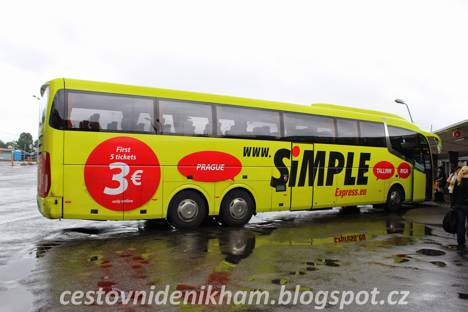 SimpleExpress bus
