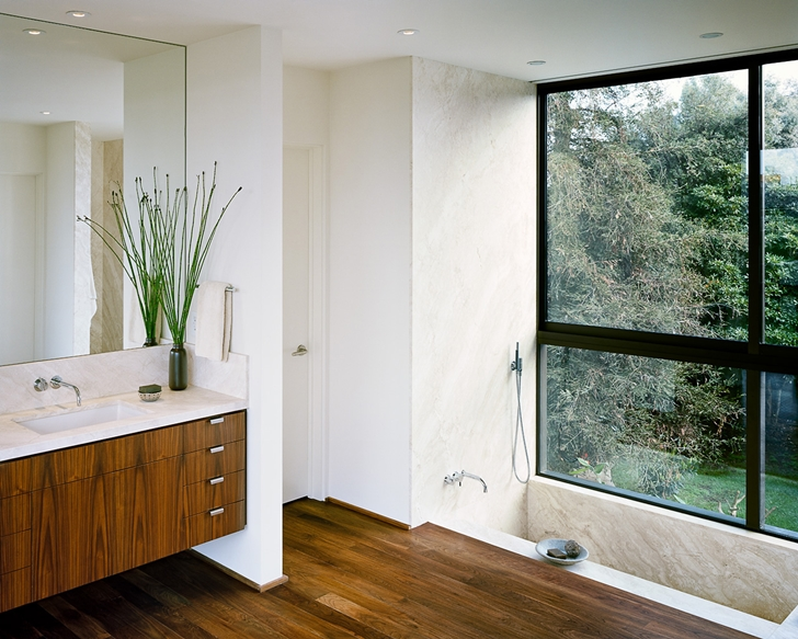 Bathroom in Vienna Way Home by Marmol Radziner