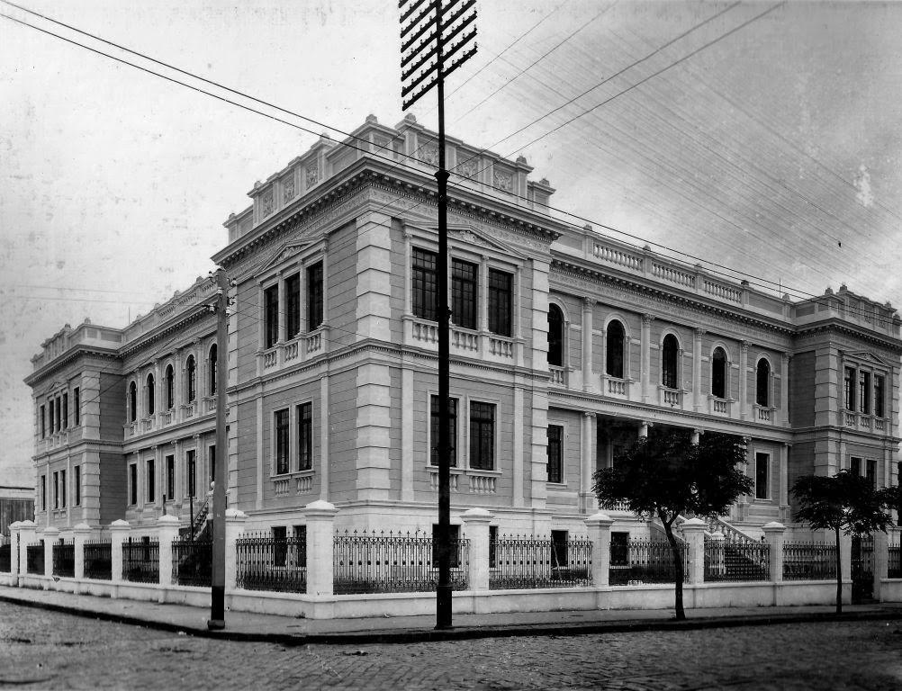 Museu da Escola, clik sobre a imagem  veja Facebook