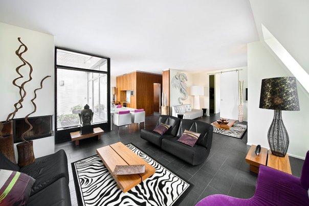 sin entrar en tu casa la oficina de la kgb ahora hotel. Black Bedroom Furniture Sets. Home Design Ideas