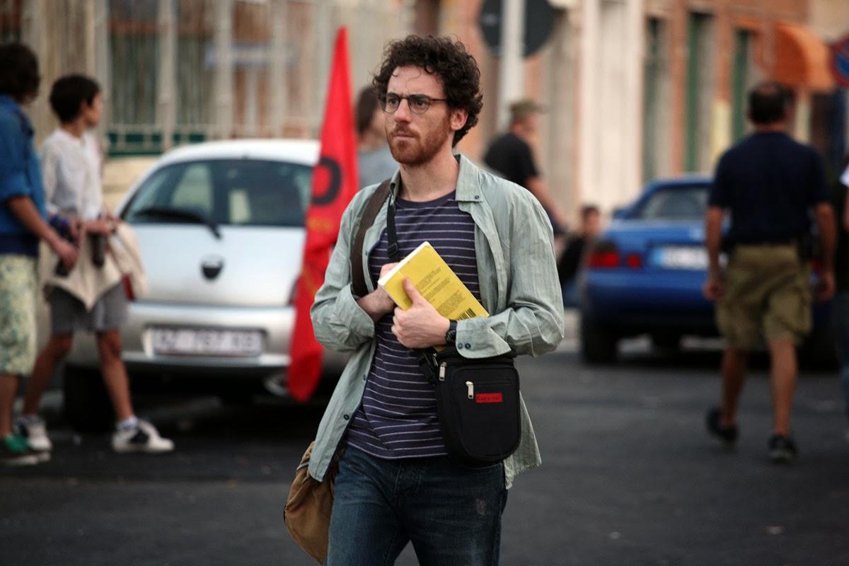 Elio Germano incarne un journaliste à Gênes lors du G8. Diaz de Daniele Vicari, prix Terra di cinema 2013