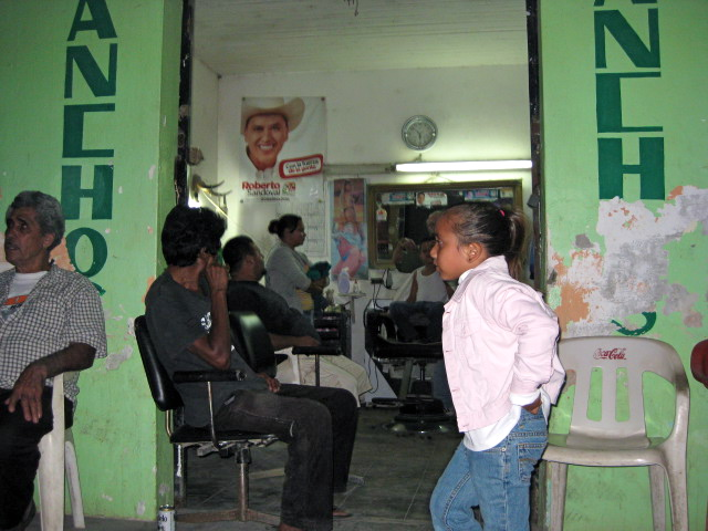 Barber Shop In Spanish : Mexico Daily Living: Evening at the Local Barber Shop