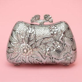 http://kateketzal.com/clutches/spring-bloom-crystal-clutch-silver/
