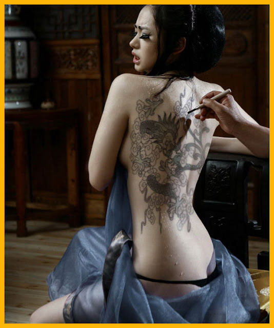 Foto Tatto Cewek Cantik Bugil Yang Bikin G4irah Terangsang