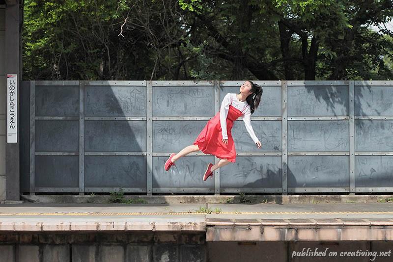 Под другим углом зрения: летающая девушка