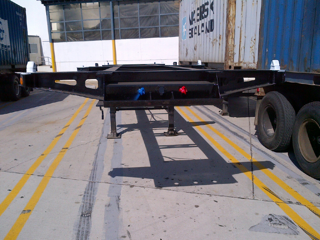 Tri Axle Chassis : Container chassis parts may