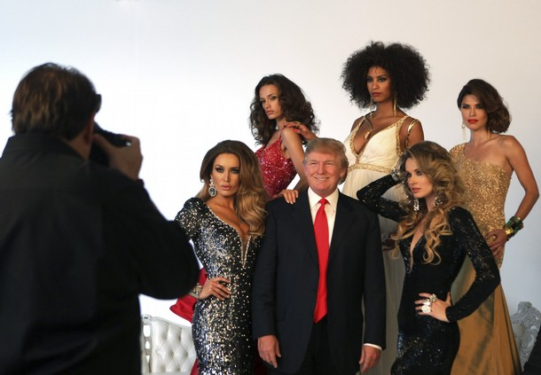 donald trump with miss universe titleholders finalists photoshoot