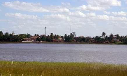 LAGOA DE MONTANHAS