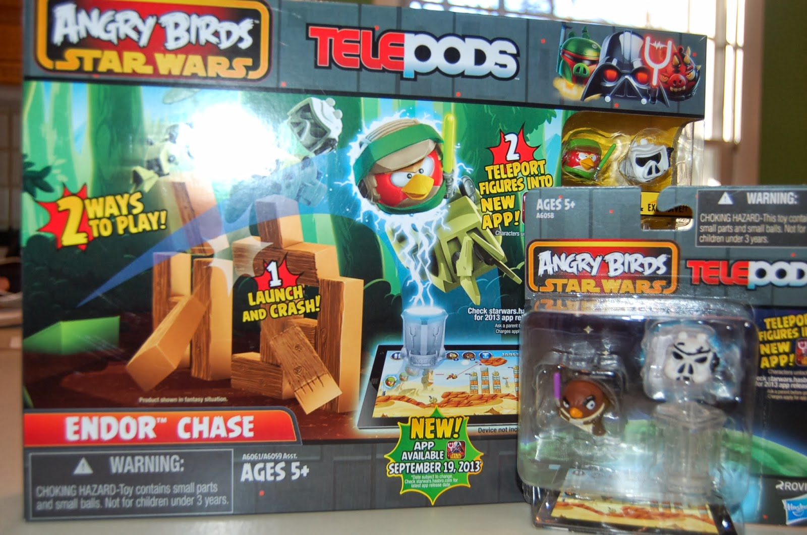 Angry Birds Star Wars Toys : Angry birds star wars ii s telepods tech is really quite clever