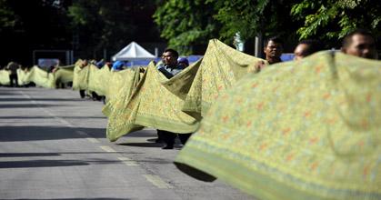 Batik Terpanjang di Dunia Ada di Makassar