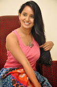 Ishika Singh Latest Glamorous Photos-thumbnail-9