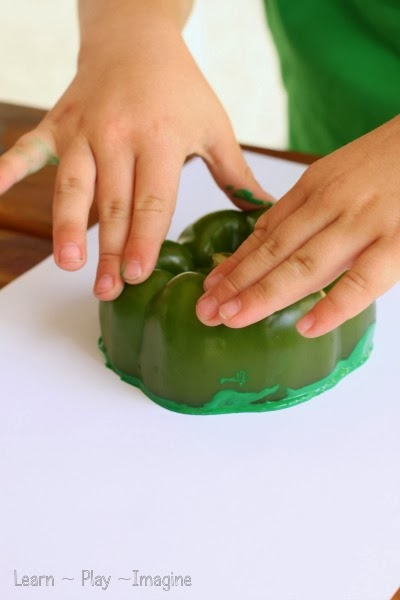 Green pepper stamping with kids - Create a shamrock!