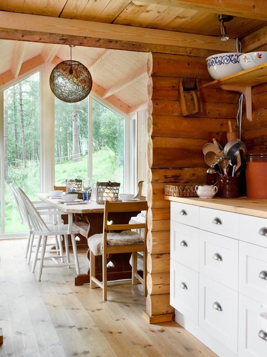 wystrój wnętrz, home decor, wnętrza, dodatki, dom, mieszkanie, dom z bali, dom drewniany, trawa na dachu, kuchnia, jadalnia