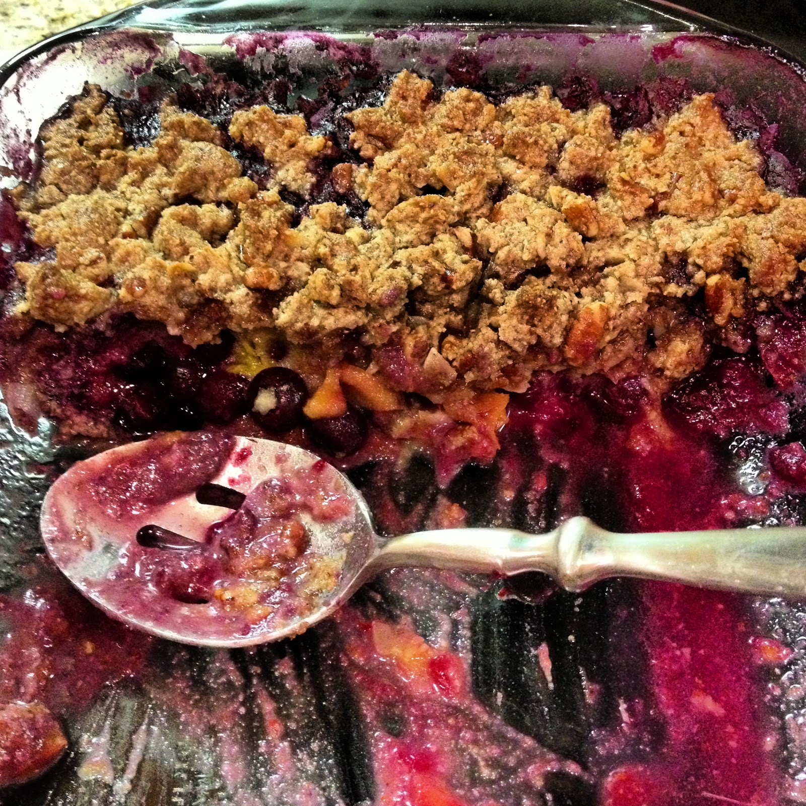 Sooo Paleo: Blueberry Peach Cobbler Crisp